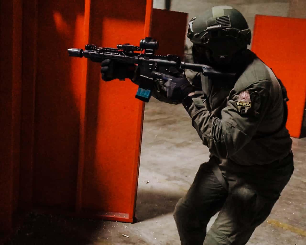bilateral transitions while running carbine gunfighter scenarios