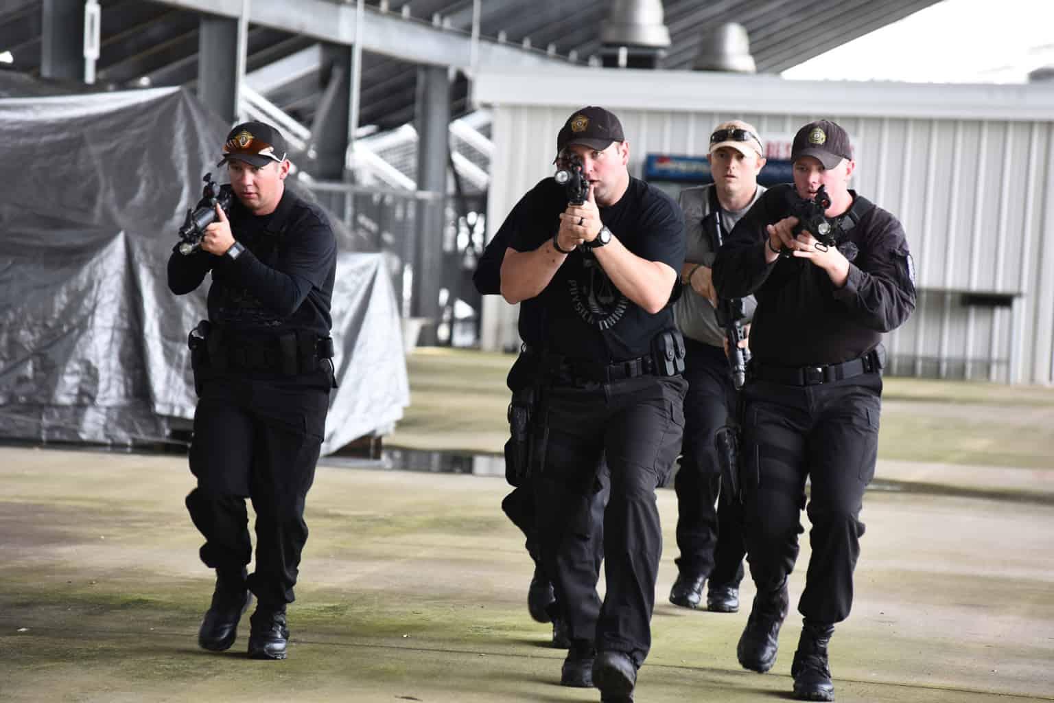swat-response-to-a-public-venue-10