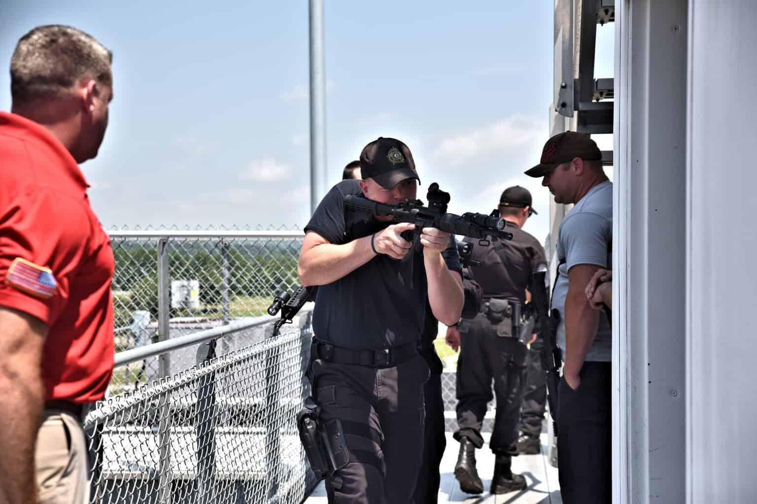 swat-response-to-a-public-venue-8